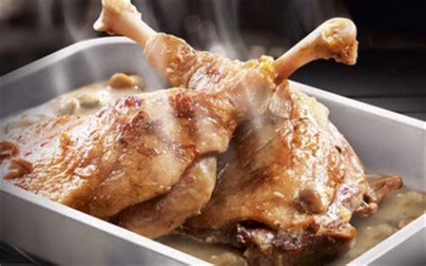 cuisiner du canard recette confit de canard et sa sauce aux cèpes 750g