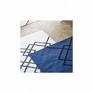 petit tapis borg bleu fonce et noir arne concept With tapis bleu foncé