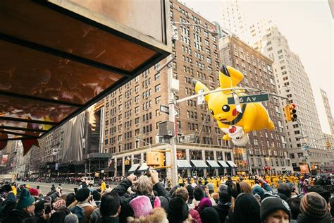 macys thanksgiving day parade brunch viewing party