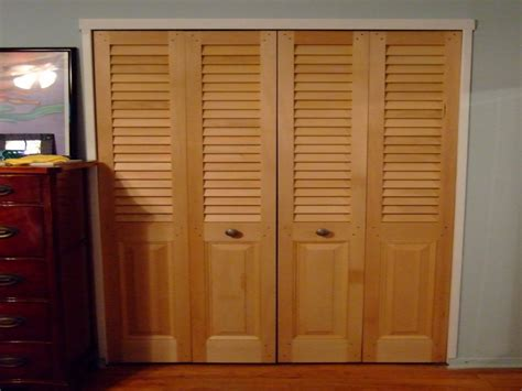 Wood Sliding Closet Doors Lowes by Wood Bifold Closet Doors Louvered Bifold Closet Doors