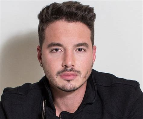 balvin bio facts family life  colombian singer