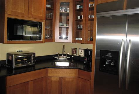 river forest kitchen using mission style oak cabinets