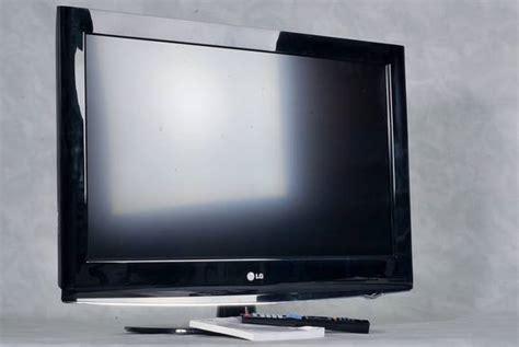 fernseher gebraucht mit garantie lg lcd fernseher 32ld420 32 zoll hd schwarz gepr 252 ft mit garantie ebay