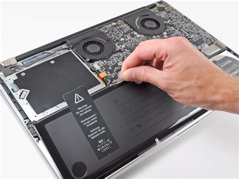 """MacBook Pro 17"""" Unibody Battery Replacement iFixit"""
