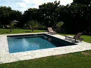 la plage de la piscine piscines hydro sud With pierre naturelle pour piscine