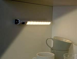Wandlampe Ohne Kabel : lunartec led lichtleiste sensor automatische led ~ A.2002-acura-tl-radio.info Haus und Dekorationen