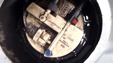 siege clio 1 fuite de carburant origine