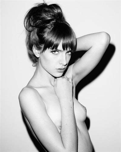 Melanie Scrofano | Download Foto, Gambar, Wallpaper | Film Bokep 69
