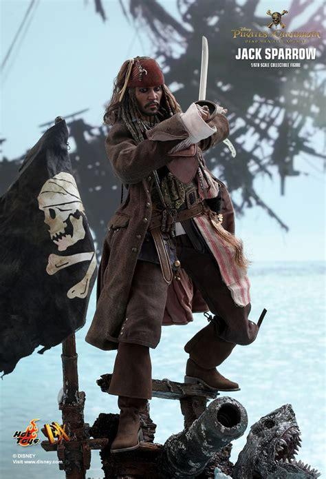 hot toys jack sparrow figure