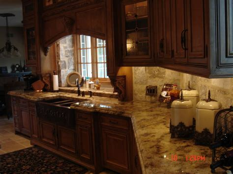 Granite Countertops   Traditional   Kitchen Countertops