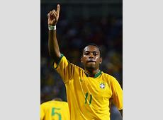 Top Football Players Robinho Profile ImagesPictures