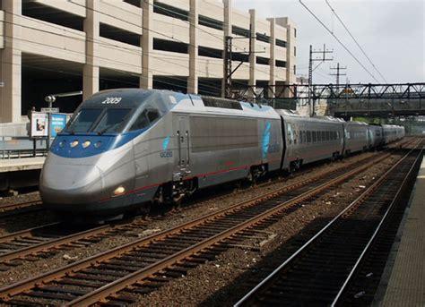 kereta express kereta api modern fauzan s