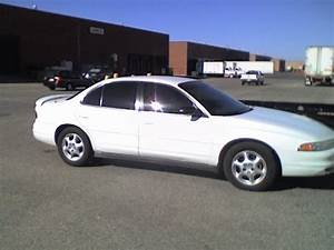 1999 Oldsmobile Intrigue - Pictures