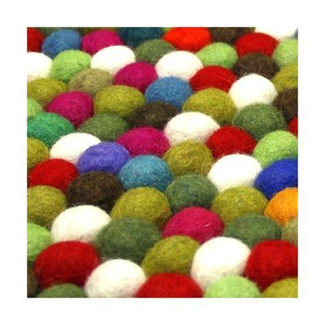 grand tapis boules multicolore
