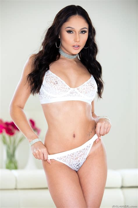 Ariana Marie Young Hot Ass Picture 1