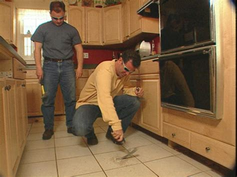 kitchen tile removal how to remove tile flooring how tos diy 3279