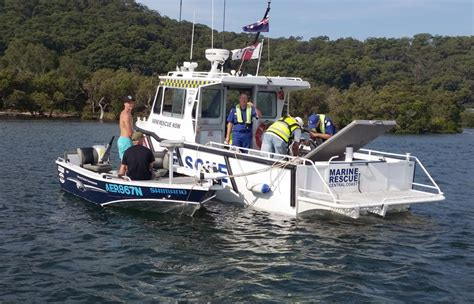 O Brien Boats For Sale Australia by Marine Rescue Assists Boats On Weekend Vmrcc Org Au
