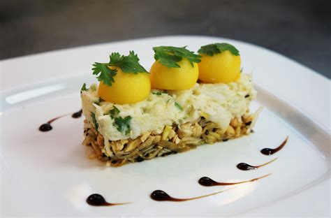 hervé cuisine tarte au citron crabe fondant citronné à la coriandre mangue et noix de