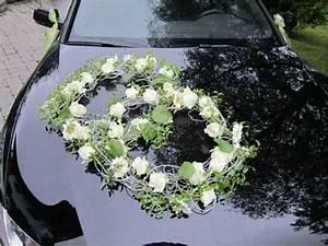 Kränzen Hochzeit Ideen : pin von magalie leger auf carriages and cars flower decor pinterest ringe hochzeit auto und ~ Markanthonyermac.com Haus und Dekorationen