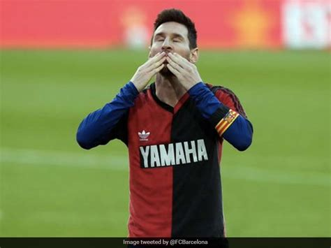 La Liga: Lionel Messi, Barcelona Pay Tribute To Diego ...
