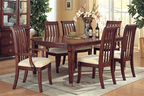 How To Clean A Wood Dining Room Table Ehow Uk