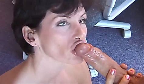 sharon mitchell short haired mature shows her blowjob experience long xxx