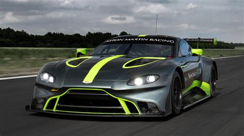 Martin Gt3 by Check Out The New Aston Martin Vantage Gt3 And Gt4 Race