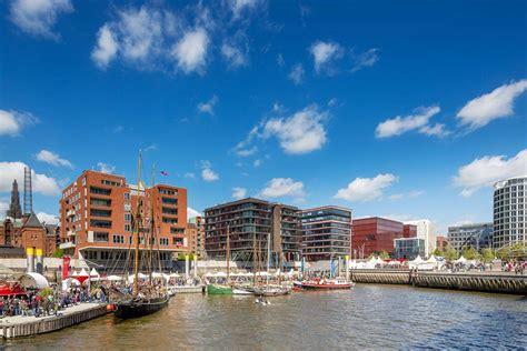 The Port Of Hamburg Is Growing In Popularity For Cruise Badezimmer Wandtattoos Ablage Schimmel Aufbewahrung Farbe Für Joop Mülleimer Absperrhahn