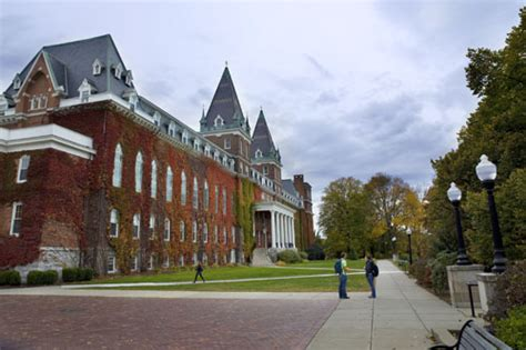 Chapel Plaza | College of the Holy Cross