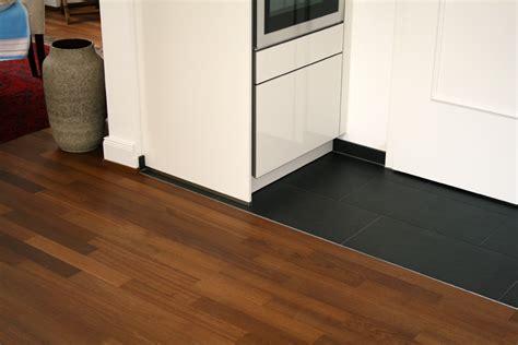 Fliesen Und Parkett In Einem Raum by Referenzbeispiele Bel Heuer