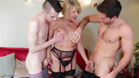 Older Stepmom Thick Male Battler amy xxxxxx in \
