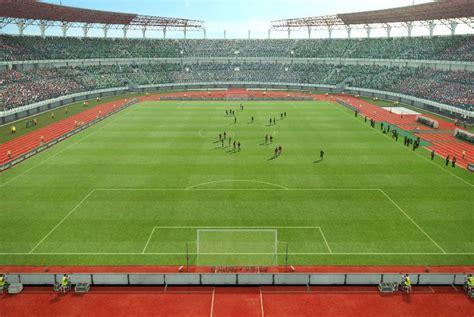 stadion gelora bung tomo wikipedia bahasa indonesia