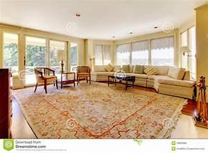 Maison Americaine Interieur : grand salon de vieille maison am ricaine photo stock ~ Zukunftsfamilie.com Idées de Décoration