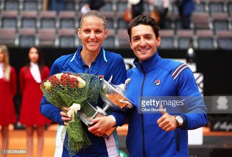 This page will answer that question! Karolina Pliskova Foto e immagini stock - Getty Images