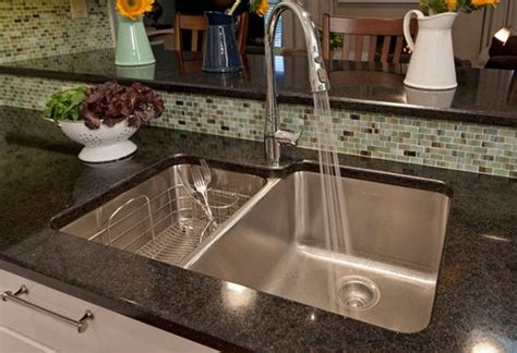 how to choose a stainless steel kitchen sink top 25 best kitchen sink ideas on 9701