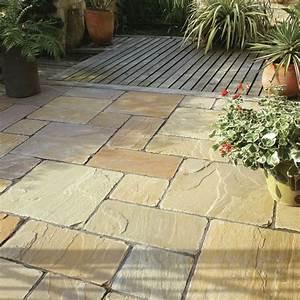 Arten Von Sandstein : terrassenplatten aus sandstein in braun grauen nuancen steinplatten terrasse natursteine ~ Watch28wear.com Haus und Dekorationen