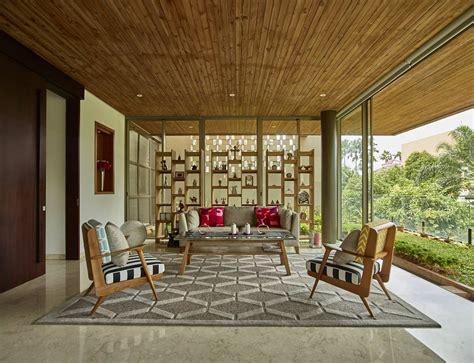 desain interior ruang tamu cantik  sentuhan etnik