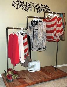 Verkaufsstand Selber Bauen : eine selbstgebaute idee aus rohre f r beliebige formen des kleiderst nders ideen rund ums haus ~ Orissabook.com Haus und Dekorationen