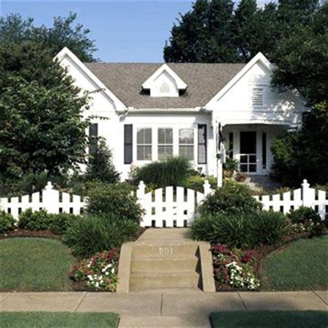 cottage fencing ideas 255 best images about landscaping ideas on pinterest front yards backyard landscaping and