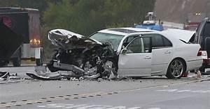 Accident De Voitures : photo de l 39 accident de voiture dans lequel tait impliqu caitlyn jenner malibu le 7 f vrier ~ Medecine-chirurgie-esthetiques.com Avis de Voitures