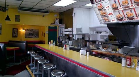 la cuisine chicoutimi poutine avec le sauce chicken picture of restaurant
