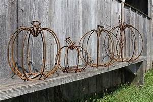 Five, Sizes, To, Decorate, Using, Metal, Pumpkins