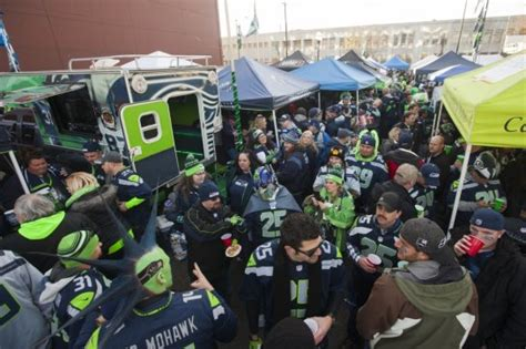 seattles  man reclaims guinness crowd noise record