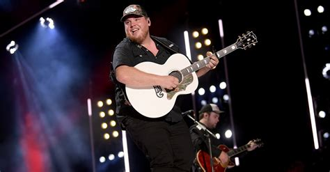 luke combs shares track listing