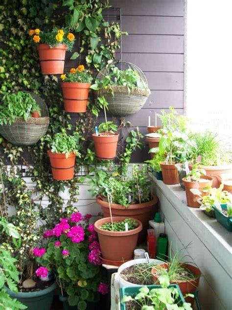 Small Planter Ideas by 31 Fantastic Wall Planter Ideas For Small Balcony Gardenoid