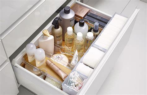 poubelle de bureau optimisez le rangement de vos meubles de salle de bains