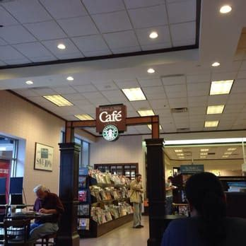 barnes and noble houston barnes noble booksellers 17 photos 35 reviews