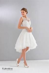Robe de mariee courte avec jupe a volants et bustier en for Robe de mariée dentelle dos