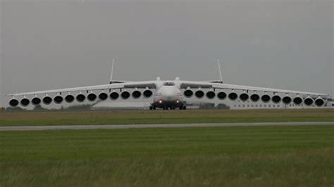 location bureau la defense el avion grande mundo aterrizando y despegando