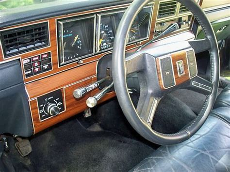 find   lincoln town car aha special model rare